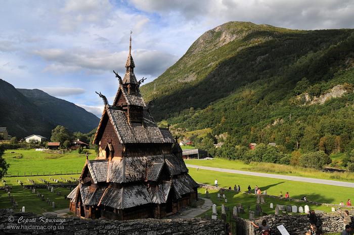 Ставкирка в Боргунде каркасные деревянные церкви норвегии 1 (700x465, 455Kb)