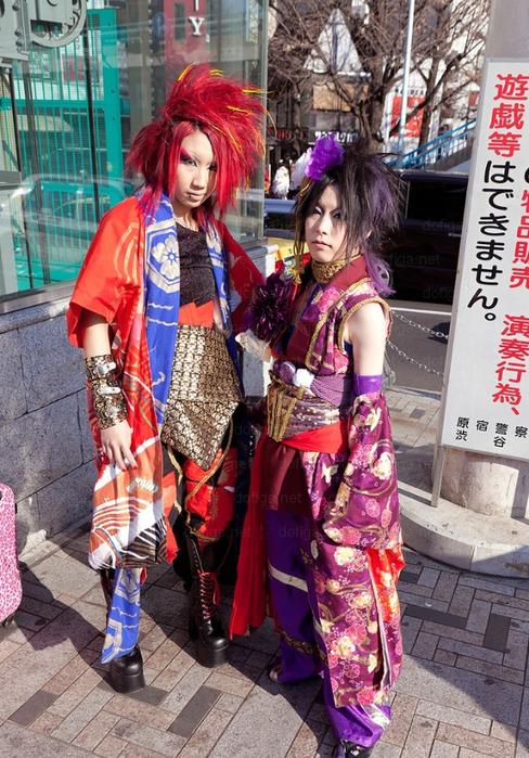 современная японская мода фото 3 (488x700, 490Kb)