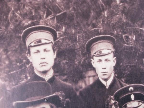 С Григорием Панфиловым (фрагмент фотографии), 1911 Еsenin (600x450, 61Kb)
