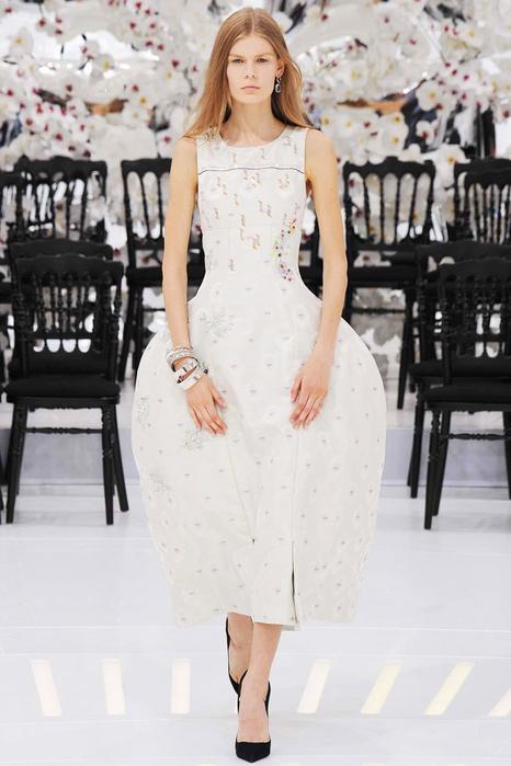 модное свадебное платье 15 (466x700, 267Kb)