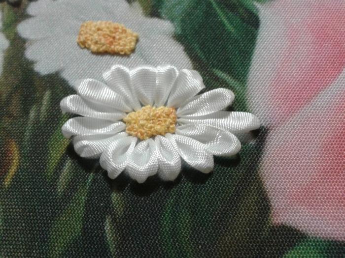 Серединка ромашки вышивка лентами мк 2