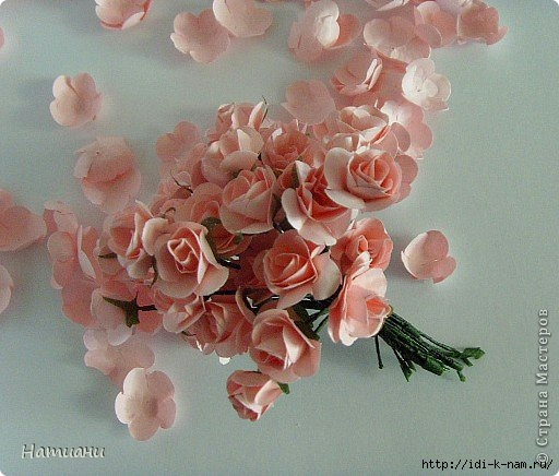 Цветы из гофрированной бумаги мелкие