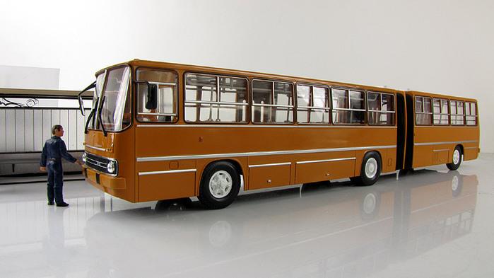 avtobus_ikarus_280.16.product.lightbox (700x393, 77Kb)
