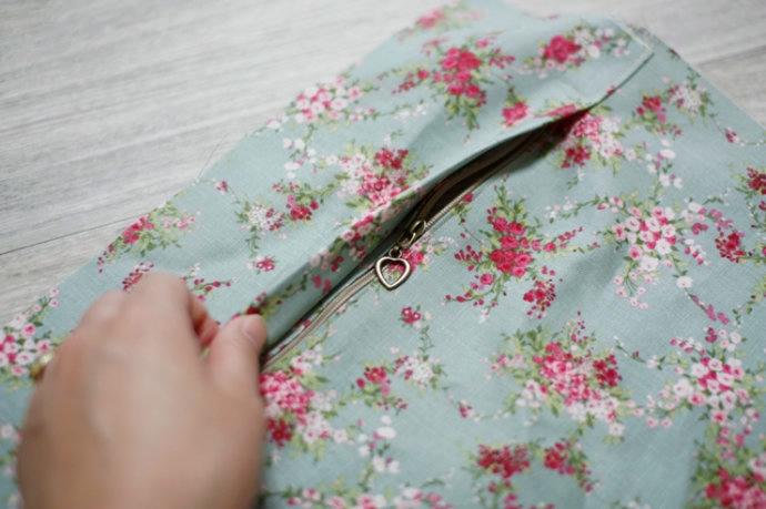 Как сшить подушку с молнией своими руками 16