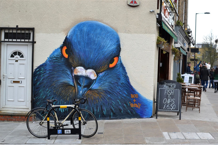 1408885805_grafiti_na_ulicah_londona__golub_ (700x467, 139Kb)