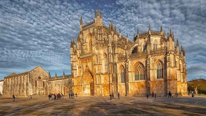 Монастырь Баталья португалия фото 1 (700x395, 356Kb)