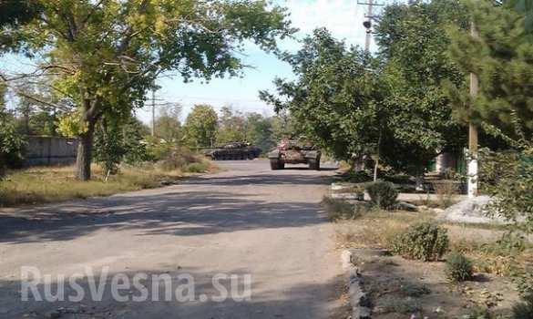 tanki_v_novoazovske (585x350, 36Kb)