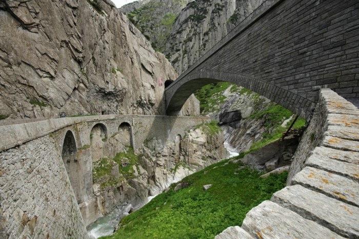 мост дьявола швейцария 4 (700x466, 243Kb)
