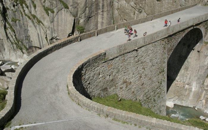 мост дьявола швейцария 8 (700x437, 176Kb)