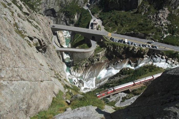 мост дьявола швейцария 11 (700x466, 228Kb)