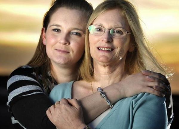 мать и дочь 3 (600x431, 162Kb)