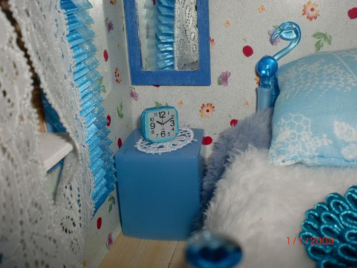 Синяя комната. Будильник. (700x525, 415Kb)