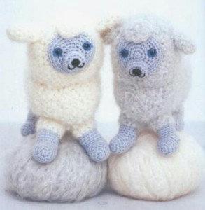 как связать овечку. схема вязания овечки, как сделать символ 2015 года своими руками, Хьюго Пьюго рукоделие,