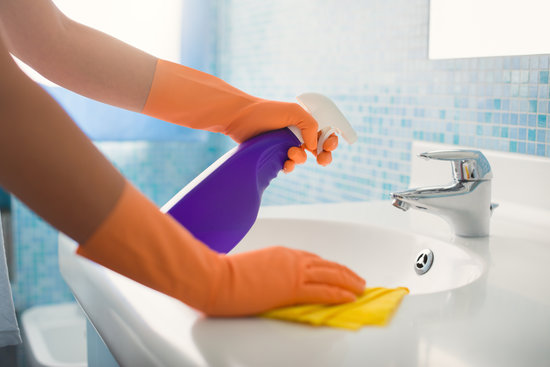 3788799_Bathroom_Cleaning (550x367, 32Kb)