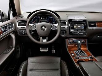 Volkswagen-Touareg-Hybrid-TSI-int-550x412 (330x246, 26Kb)