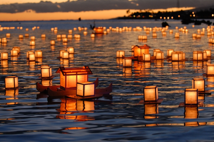 Festival of floating lanterns, Honolulu, Hawaii, USA1 (700x466, 256Kb)