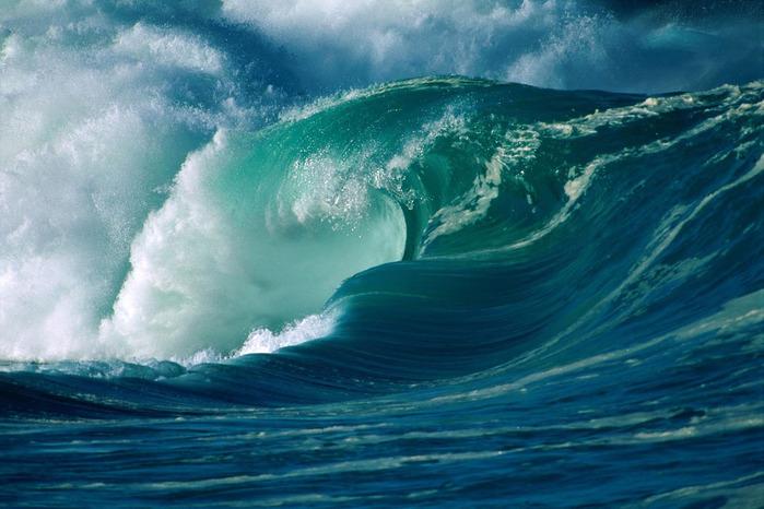 3085196_sea_waves_11 (700x466, 118Kb)