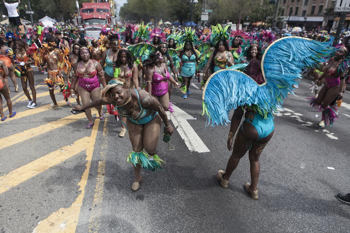Вест-Индийский парад в нью-йорке фото 1 (700x466, 524Kb)