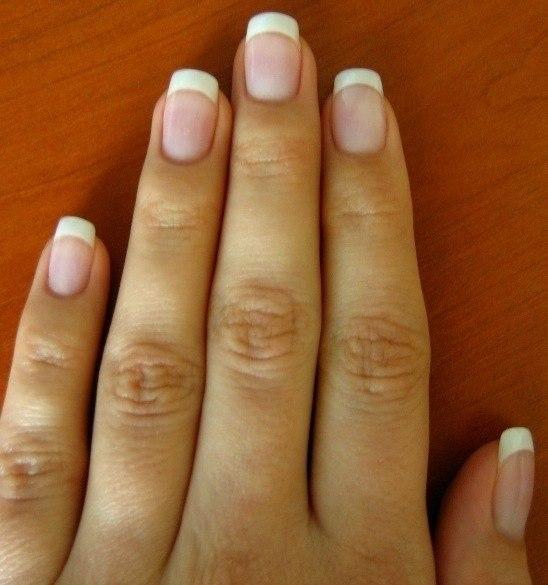 Акриловые ногти короткие