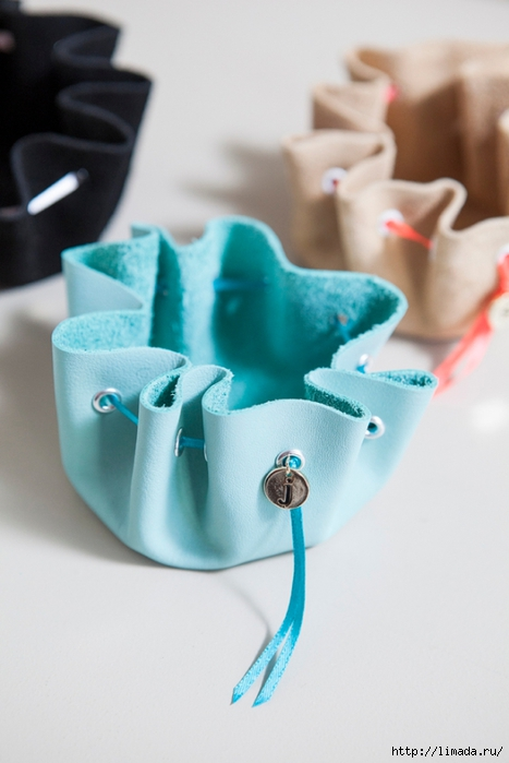 SomethingTurquoise-DIY-no-sew-jewelry-pouch_0020 (467x700, 176Kb)
