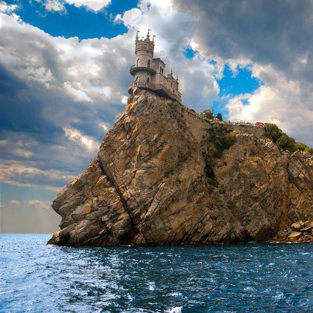 Swallow's Nest Castle, Yalta, Ukraine (640x640, 90Kb)