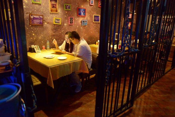 тюремный ресторан в китае 2 (700x467, 319Kb)