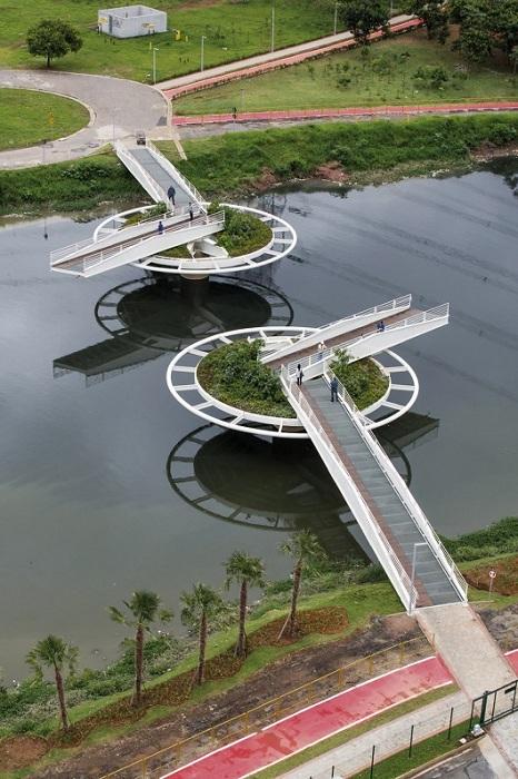 пешеходный мост в сан-паулу фото 2 (466x700, 335Kb)
