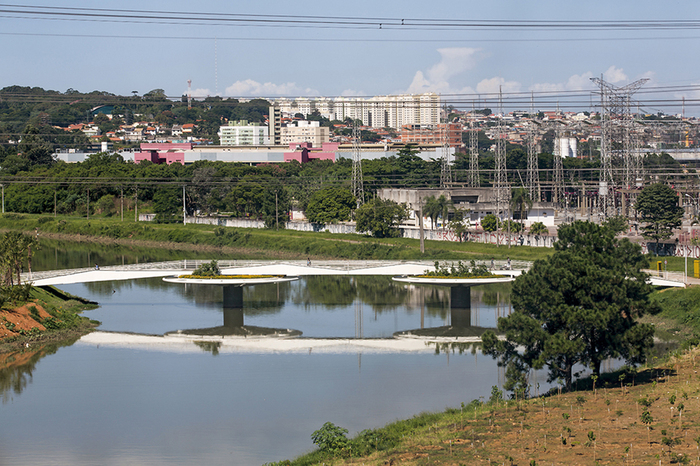 пешеходный мост в сан-паулу фото 5 (700x466, 539Kb)