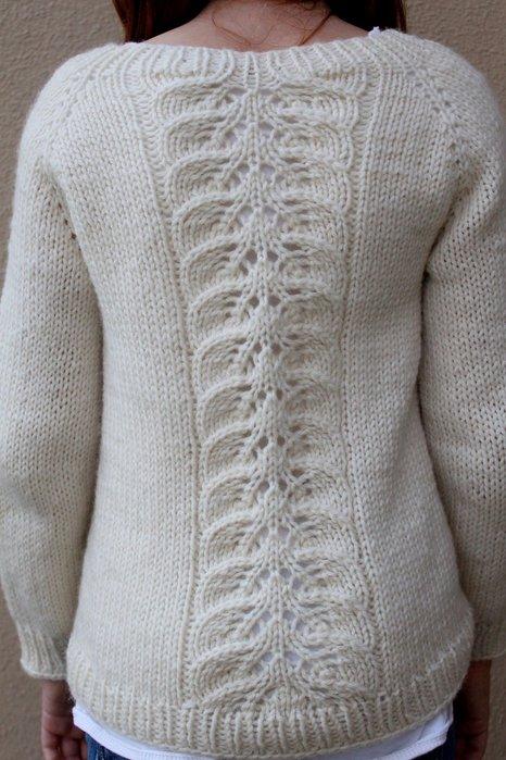 Вязание кофты с узором на рукаве