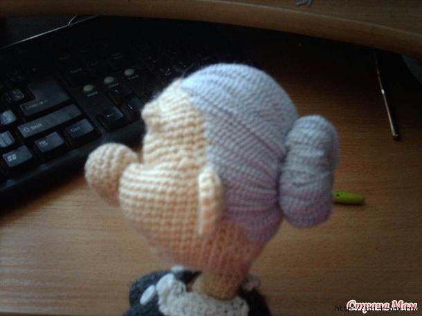 как связать куклу бабушку, схема вязания куклы бабушки, как сделать игольницу, вязаная игольница, необычные игольницы, бабуська-игольница, как связать игольницу, Хьюго Пьюго рукоделие,