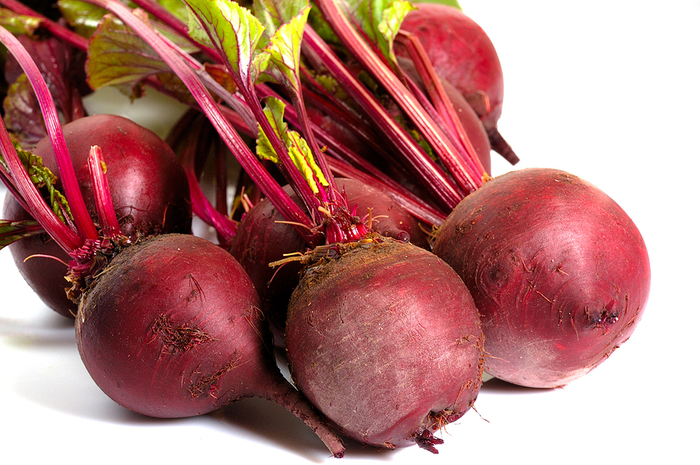 bunch-of-beets (700x465, 418Kb)