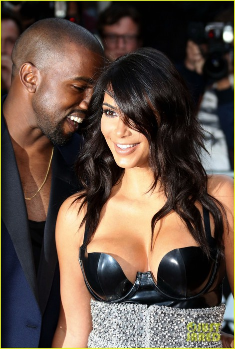 kim-kardashian-kanye-west-gq-men-of-the-year-awards-02 (471x700, 95Kb)