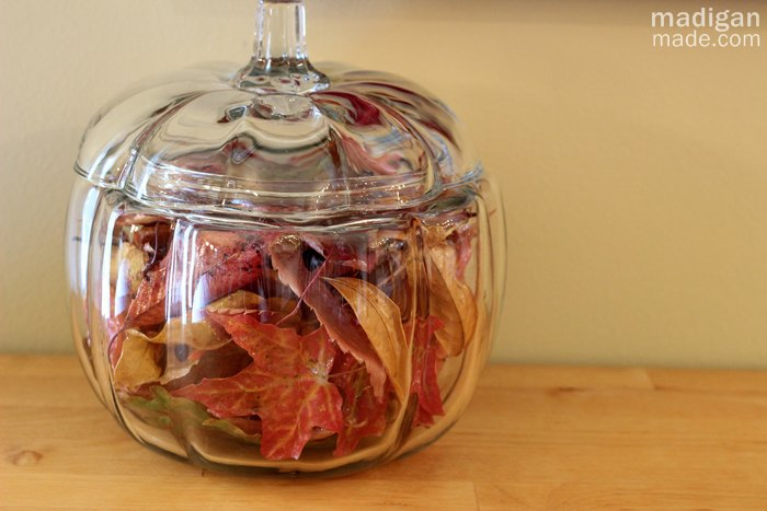 fall-leaves-with-decoupage-vase-filler (700x467, 215Kb)
