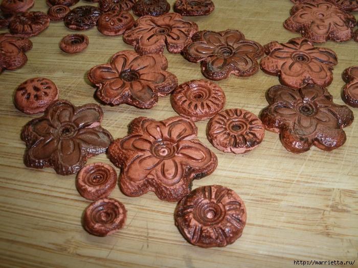 Цветочная керамика. Венок из полимерной глины (2) (700x525, 341Kb)