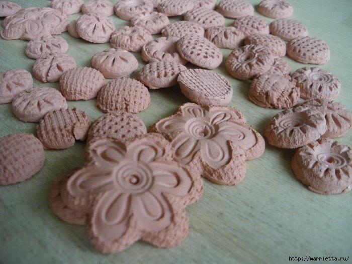Цветочная керамика. Венок из полимерной глины (4) (700x525, 286Kb)