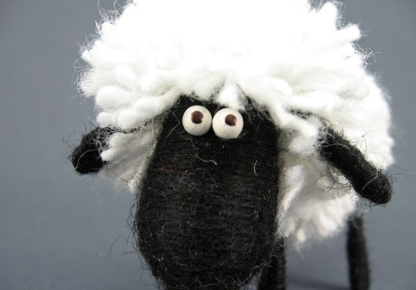como-hacer-una-ovejita-de-estambre2 (600x418, 114Kb)