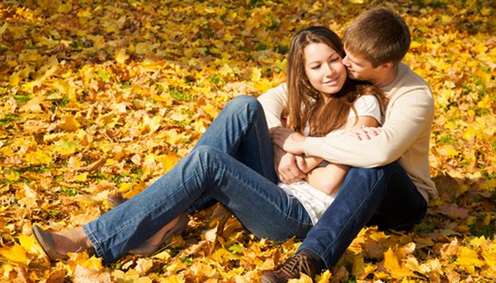 картинки где обнимаются парень и девушка