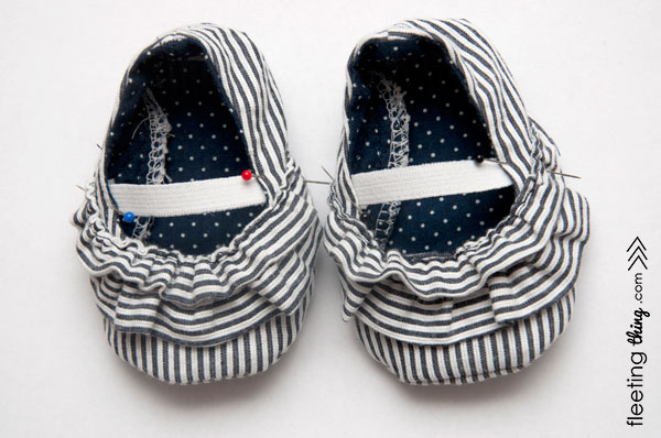 ruffled-baby-shoe-22 (600x398, 161Kb)