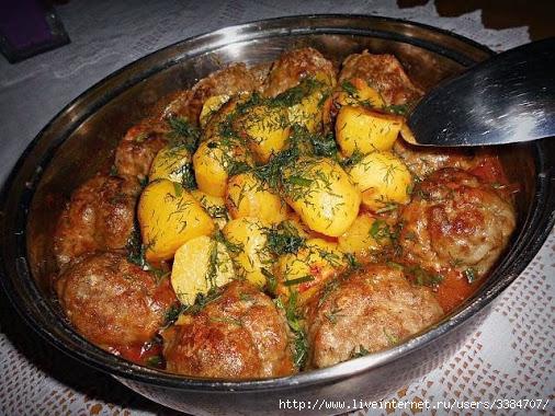 картошка с котлетами в духовке в сметанном соусе рецепт с фото