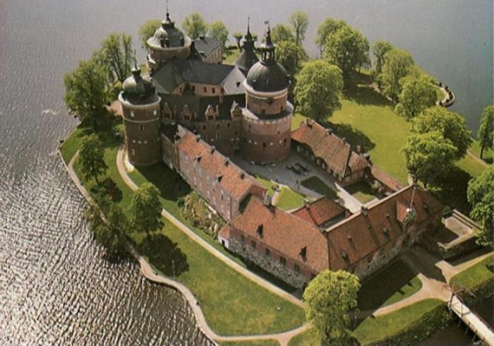замок Грипсхольм 1 (700x490, 355Kb)
