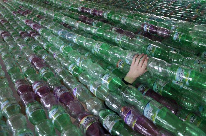 лодка из пластиковых бутылок 8 (700x464, 356Kb)
