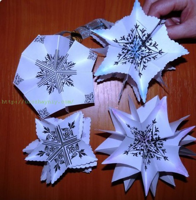 Снежинки в технике оригами.