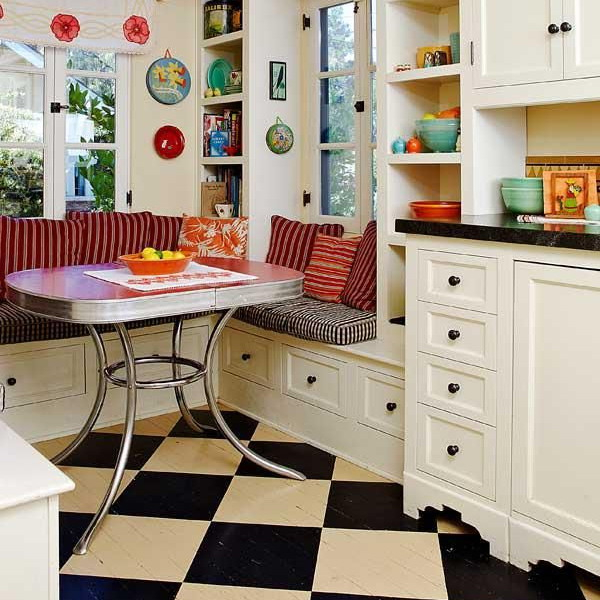 black-white-checkerboard-floors-tiles-in-small-kitchen2 (600x600, 299Kb)