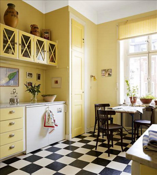 black-white-checkerboard-floors-tiles-in-kitchen7-1 (540x600, 261Kb)