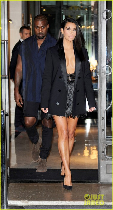 kim-kardashian-sexy-after-vitali-sediuk-attack-01 (379x700, 78Kb)