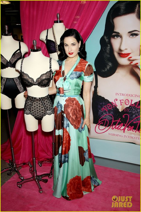 dita-von-teese-lingerie-for-new-moms-17 (468x700, 107Kb)