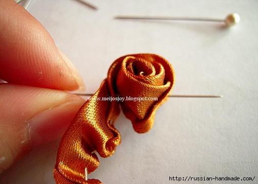 Роза из ленты для создания украшений. Мастер-класс (13) (504x360, 87Kb)
