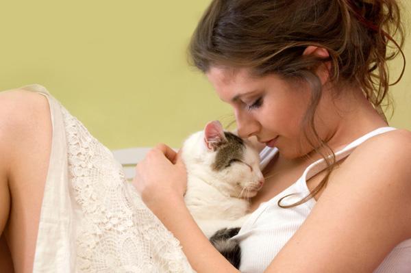 1259869_woman_cat1 (600x399, 68Kb)