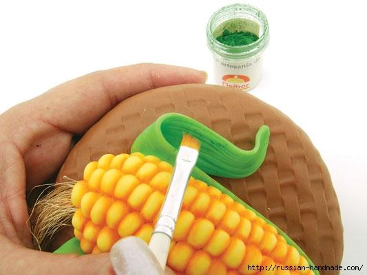 Украшаем баночку кукурузой из полимерной глины (8) (533x400, 99Kb)