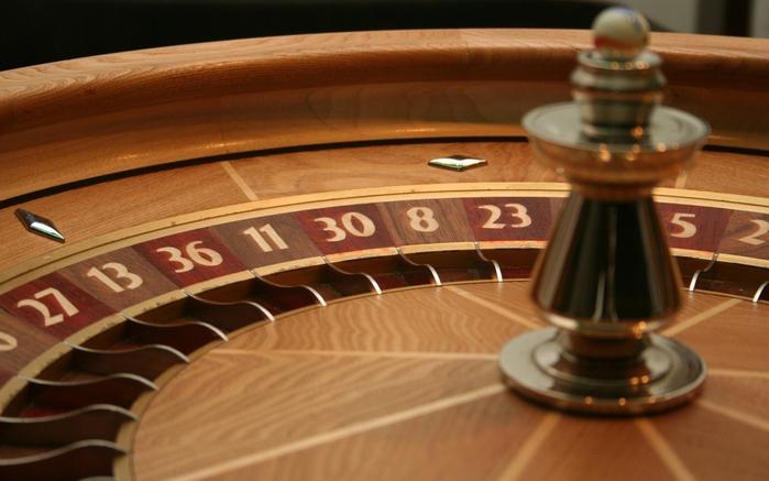 казино/3424885_363339_ruletka_azart_igra_1680x1050_www_GdeFon_ru (700x437, 209Kb)
